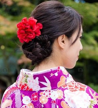 depositphotos_85439972-stock-photo-japanese-woman-in-traditional-kimono